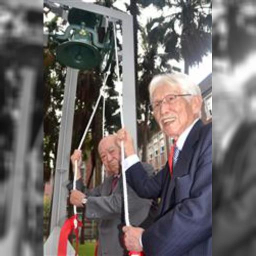 旧制台高に「自由の鐘」復活 台湾師範大学敷地内でお披露目