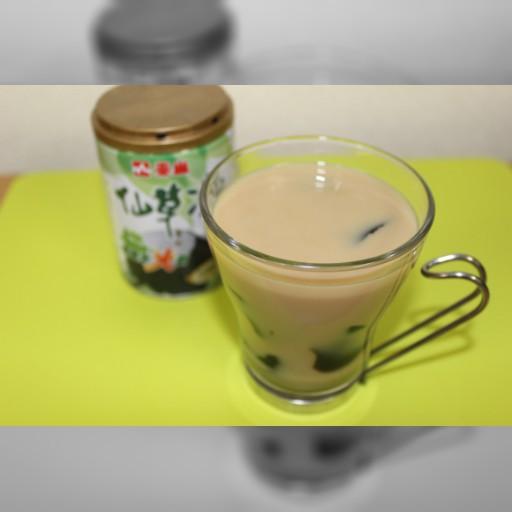 この次きそうな台湾スイーツはこれ☆ 甘くてほろ苦・大人味な「仙草奶茶」(しぇんつぁおないちゃ)