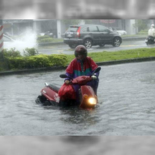 台風15号による豪雨で南台湾、各地で浸水 | 社会 | 中央社フォーカス台湾