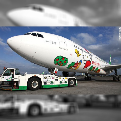 「キティちゃん飛行機」でLAへ! 台湾エバー航空