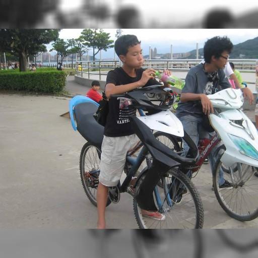 """【天才の発想か】さすがバイク天国! 台湾で激写された """"改造バイク"""" が超絶エクストリームすぎてヤバイ"""