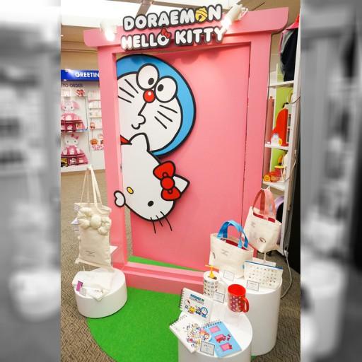 史上最猛!哆啦A夢揪Kitty搶錢 | 即時新聞 | 20150203 | 蘋果日報