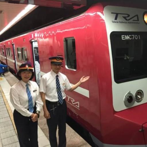 披京濱紅色電車塗裝  台鐵阿福號奔馳北台 – 生活 – 自由時報電子報
