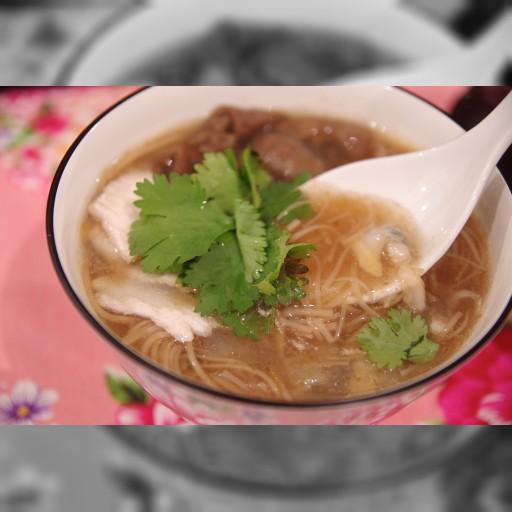 注目の台湾グルメ! モツと鶏肉、あさりのプリプリの食感とうまみがはじける「麺線」を食べたか? – メシ通
