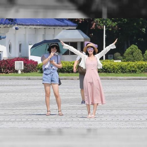 立秋とは名ばかりの暑さが続く台湾 36度超の所も | 観光 | 中央社フォーカス台湾